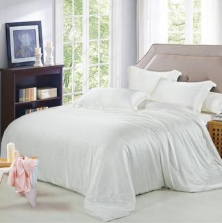 ホワイト 白色のシルク掛け布団カバー