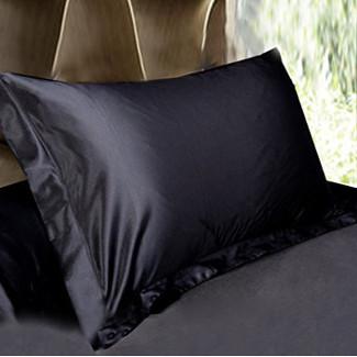 ブラック 黒色のシルク枕カバー