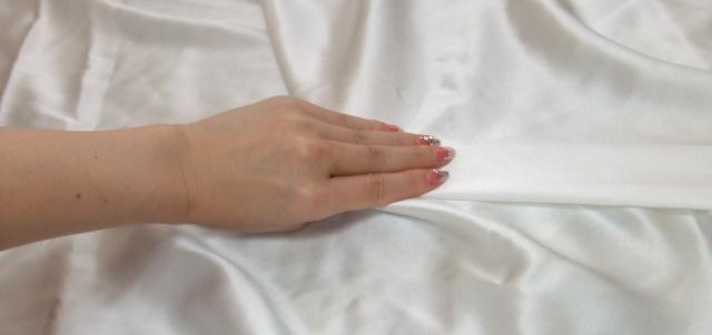 19匁ホワイトのシルクシーツ