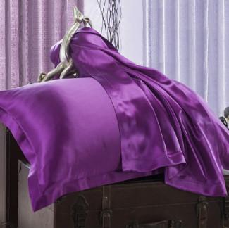 紫色のシルク枕カバー