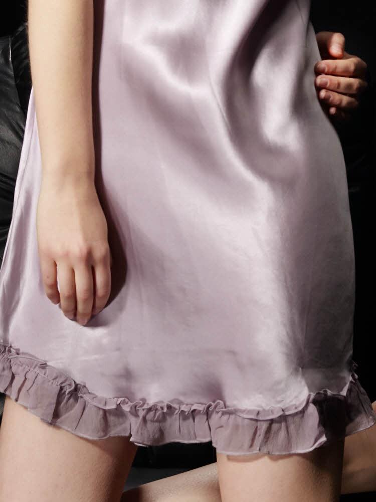 ライトパープル色のシルクスリップ ベビードール