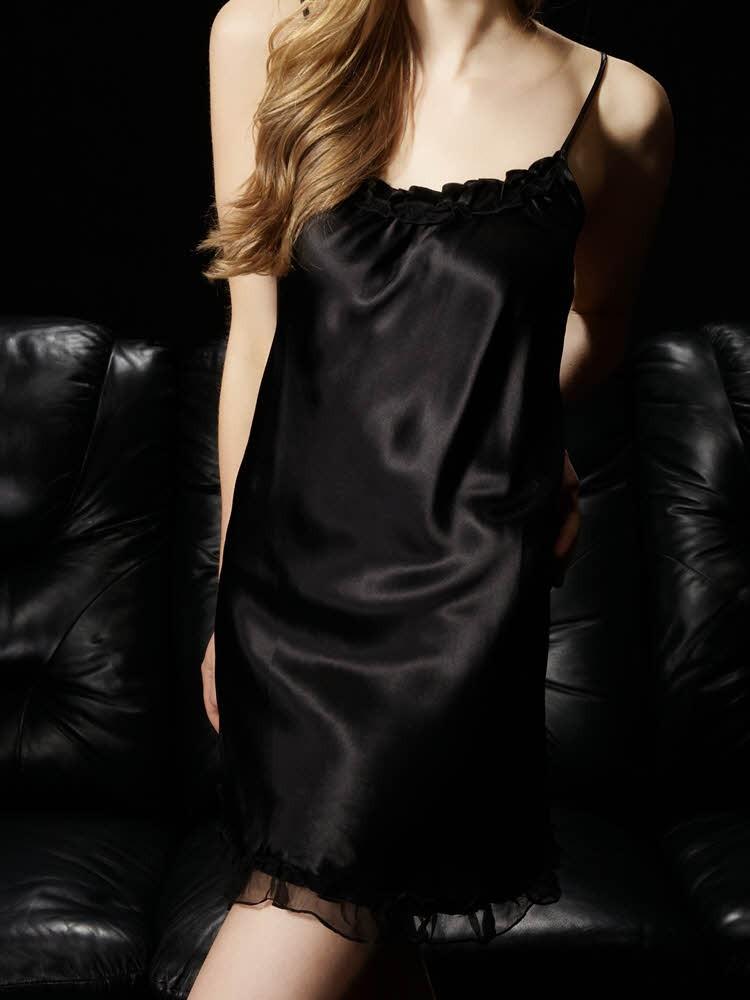 ブラック 黒色のシルクスリップ ベビードール