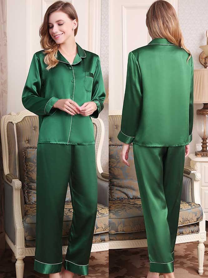 グリーン 緑色のシルクパジャマ