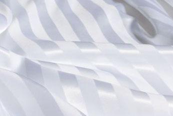 ホワイトストライプシルクシーツ